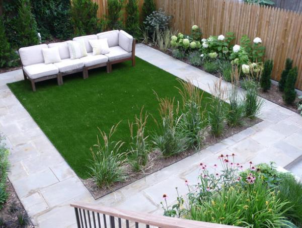 квадратный газон